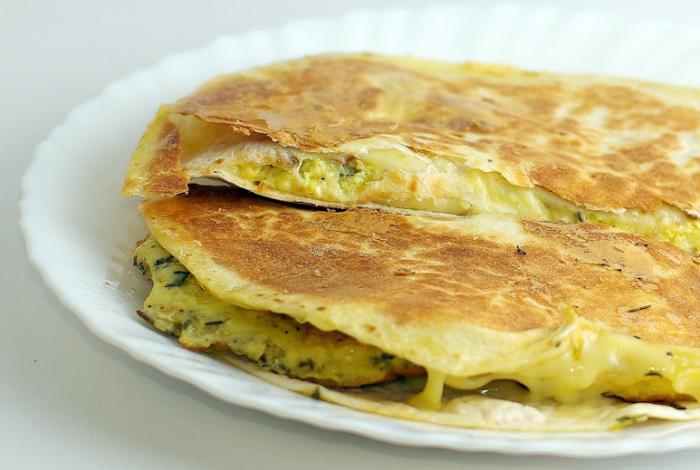 Pusryčiai iš kirvio — quesadilla su kiaušiniene