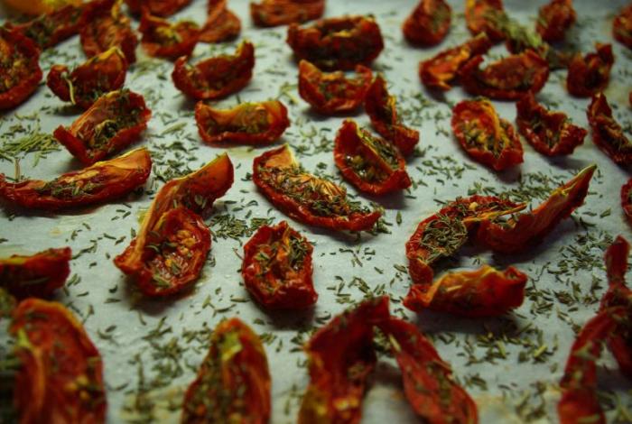 Laimingieji džiovinti pomidorai