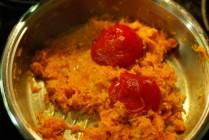 uždedam pomidorų padažą